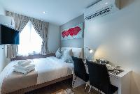 furnished Singapore South Bridge Studio King luxury apartment and vacation rental