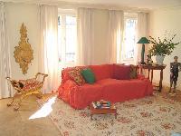 cozy living room in Saint Germaine des Prés aux Clercs luxury apartment