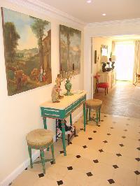 nifty Saint Germaine des Prés aux Clercs luxury apartment