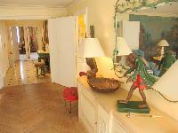 elegant interiors of Saint Germaine des Prés aux Clercs luxury apartment