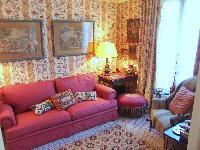 nice sitting area in Saint Germaine des Prés aux Clercs luxury apartment