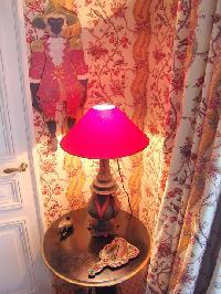nice lamp in Saint Germaine des Prés aux Clercs luxury apartment