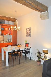 nice dining area in Paris - Saint Paul 3 SP3 luxury apartment