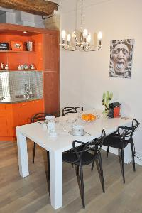 cool dining table at Paris - Saint Paul 3 SP3 luxury apartment