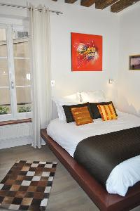 nice bedroom of Paris - Saint Paul 3 SP3 luxury apartment