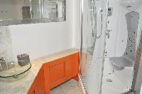 awesome bathroom in Paris - Saint Paul 3 SP3 luxury apartment