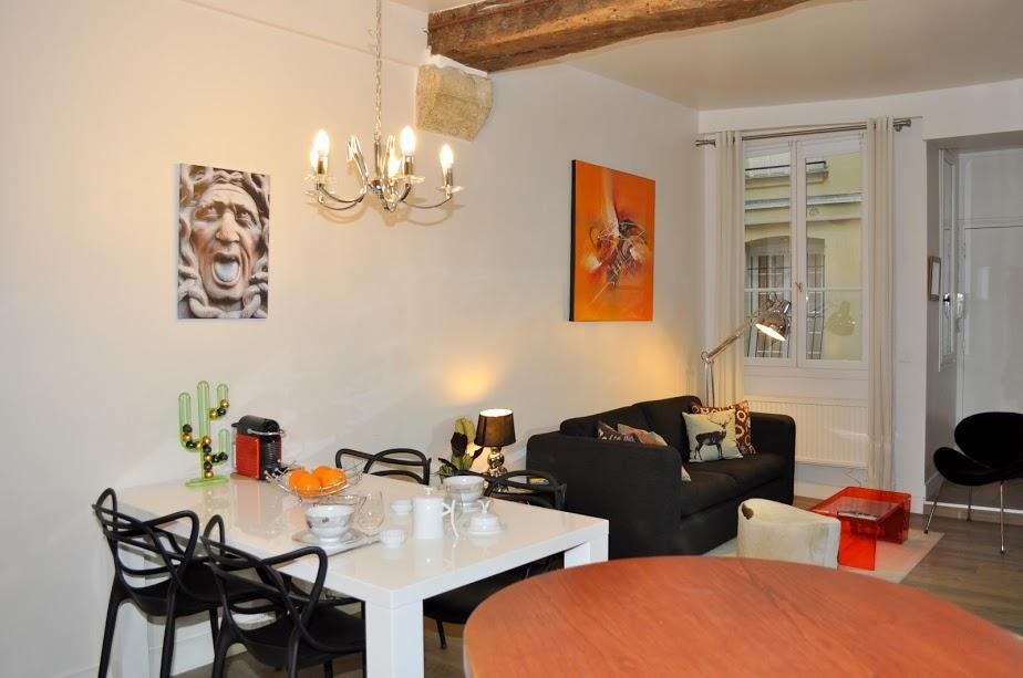 neat Paris - Saint Paul 3 SP3 luxury apartment and vacation rental