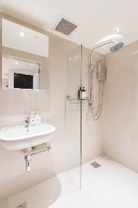 fresh Singapore Chinatown Express Studio luxury apartment and vacation rental