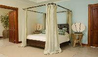 clean and fresh bedroom linens in Costa Rica - Casa Pacifica luxury apartment and holiday home