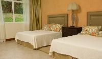 fresh and clean bedroom linens in Costa Rica - Casa Pacifica luxury apartment and holiday home