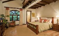 clean and fresh bedroom linens in Costa Rica - Casa Campana luxury apartment and holiday home