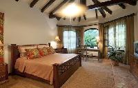 fresh and clean bedroom linens in Costa Rica - Casa Campana luxury apartment and holiday home