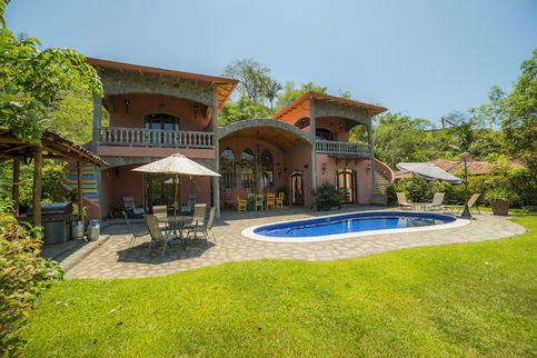 magnificent Costa Rica - Casa de mi Hermano luxury apartment and holiday home with swimming pool
