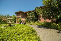 lush and lovely garden of Costa Rica - Casa de mi Hermano luxury apartment and holiday home