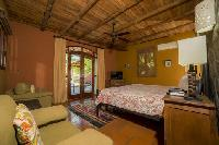 fresh and clean bedroom linens in Costa Rica - Casa de mi Hermano luxury apartment and holiday home