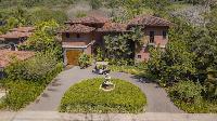 beautiful patio and garden of Costa Rica - Casa de mi Hermano luxury apartment and holiday home