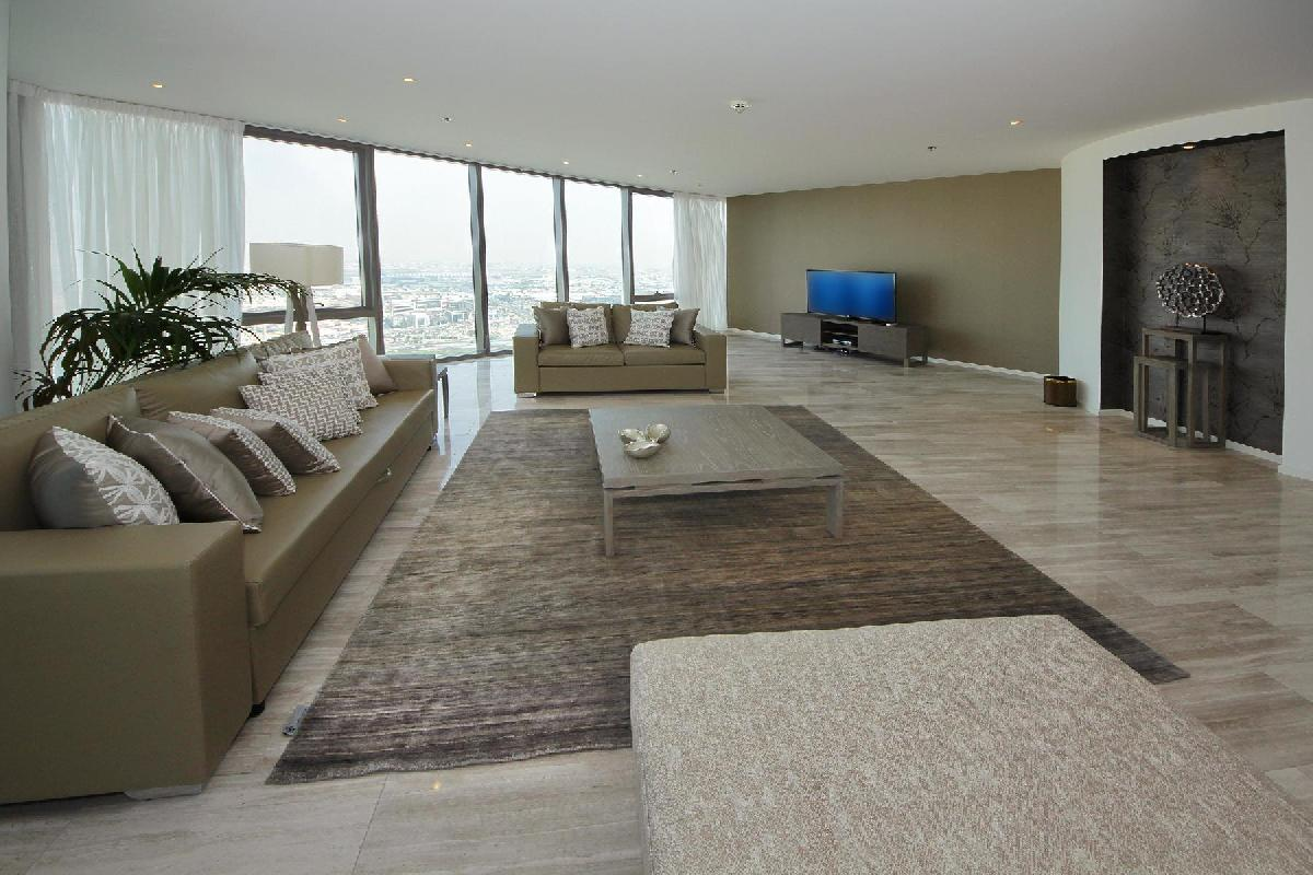 spacious Dubai - Luxury 5 Bedroom Apartment D1 Residences holiday home