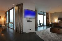 contemporary Dubai - Luxury 5 Bedroom Apartment D1 Residences holiday home