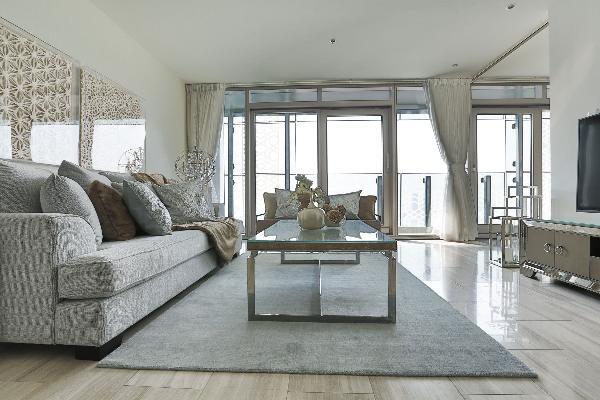 Dubai - Luxury 1 Bedroom Apartment - D1 Tower