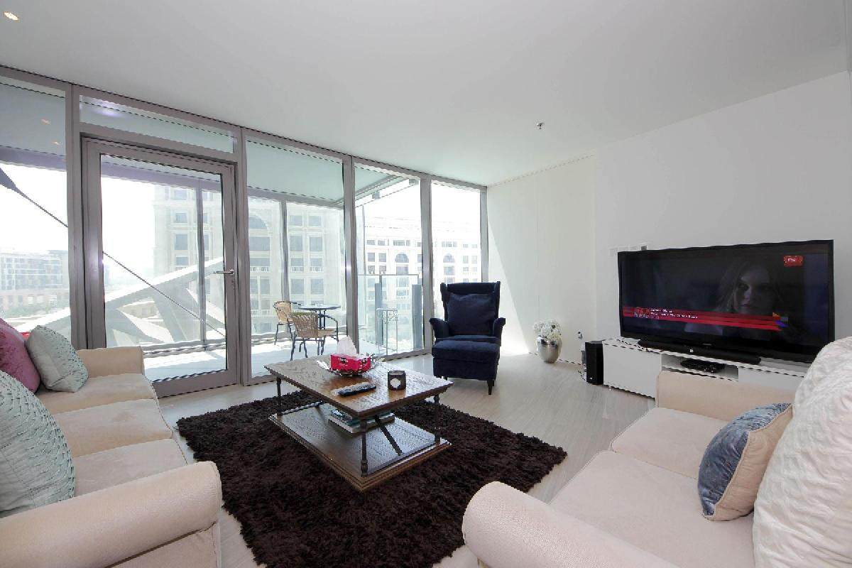 sunny and airy Dubai - Luxury 1 Bedroom Apartment D1 Residences holiday home
