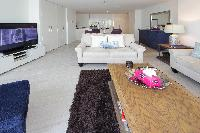spacious Dubai - Luxury 1 Bedroom Apartment D1 Residences holiday home