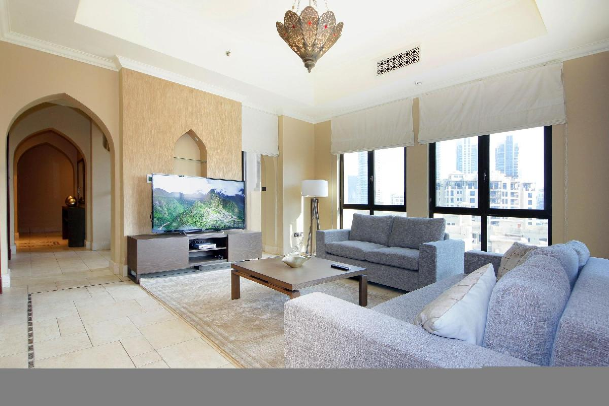 Dubai - Luxury 2 Bedroom Apartment Zafraan
