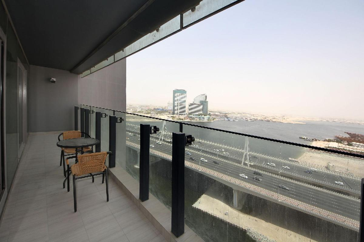 Dubai - Luxury Spacious 1 Bedroom Apartment D1 Residences