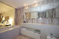 clean Dubai - Luxury Spacious 1 Bedroom Apartment D1 Residences holiday home