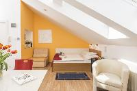 airy and sunny Vienna - Apartment 4 Bright Studio luxury holiday home and vacation rental