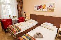 pristine bed sheets and pillows in Vienna - Apartment 5 Cozy Studio luxury holiday home and vacation