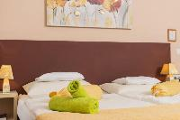 fresh and clean bedroom linens in Vienna - Apartment 6 luxury holiday home and vacation rental
