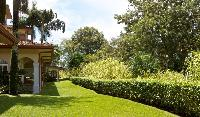 lush and lovely surroundings of Costa Rica Colina 12E luxury apartmentCosta Rica Colina 12E luxury a
