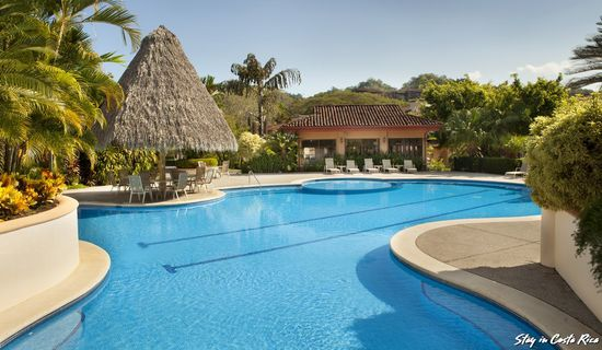 cool swimming pool of Costa Rica Colina 14C luxury apartment