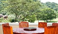 refreshing garden view from the patio of Costa Rica Colina 14C luxury apartment