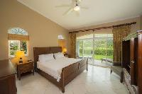 clean and fresh bedroom linens in Costa Rica Colina 4F luxury apartment