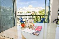 sunny and airy Vienna - Apartment R26 with Balcony luxury vacation rental and holiday home