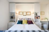pristine bed sheets and pillows in Vienna - Studio Schoenbrunn luxury apartment