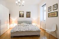 fresh and clean bedroom linens in Vienna - 2 Bedroom Patio Apartment luxury holiday home and vacatio