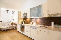 bright and breezy Vienna - 2 Bedroom Patio Apartment luxury holiday home and vacation rental