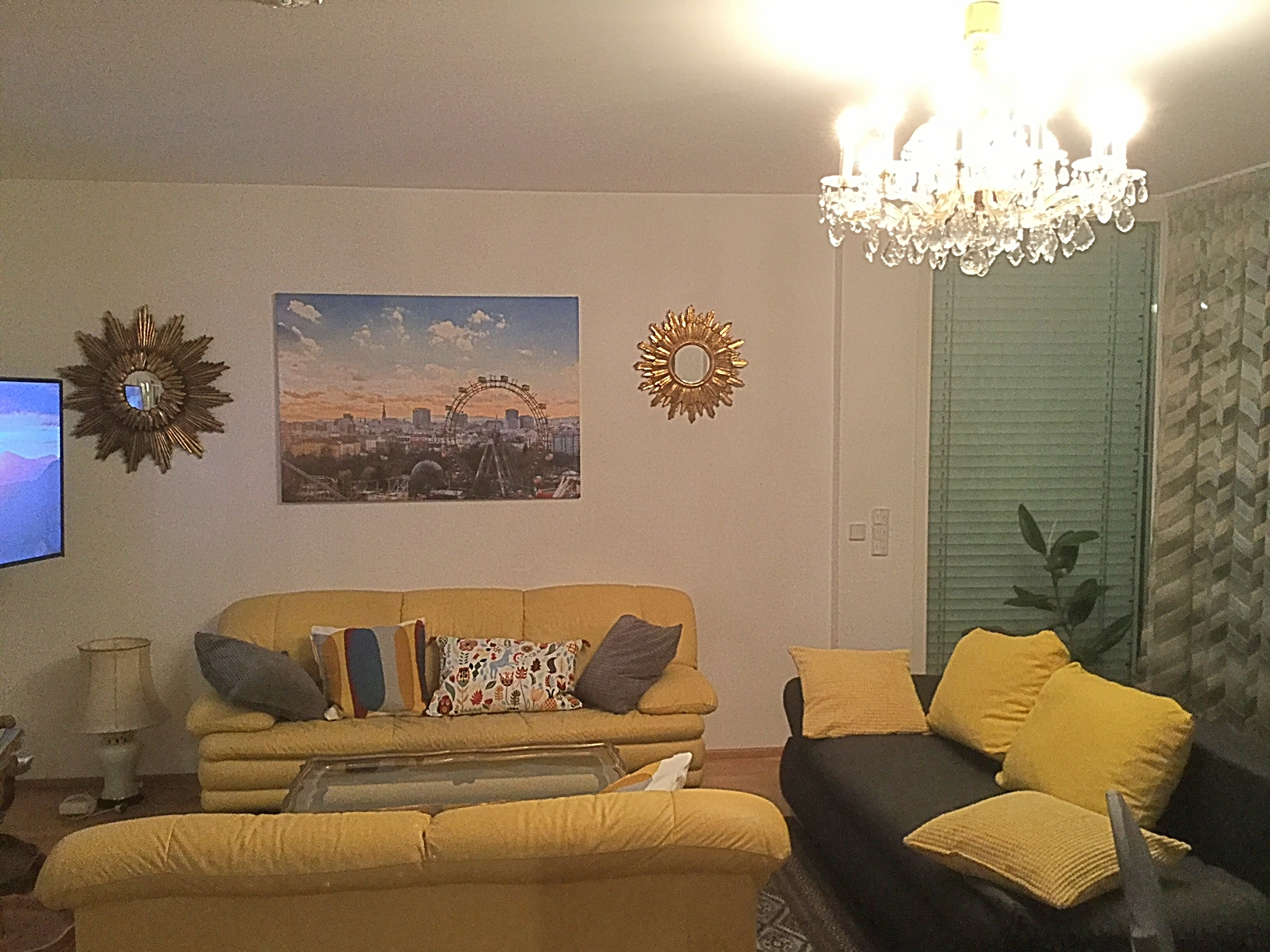 chic Vienna - 2 Bedroom Vista Apartment luxury holiday home and vacation rental