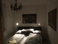 nifty bedroom in Vienna - 2 Bedroom Vista Apartment luxury holiday home and vacation rental