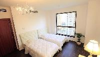 fresh and clean bed sheets in Dubai - 3 Bedroom With Sea Vie luxury apartment