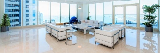 Dubai - Exceptional 4 Bedroom Penthouse