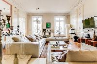 tasteful decorated 4-bedroom Paris luxury apartment with blend of both old and new Parisian style