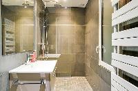 refreshing shower area in République - Voltaire luxury apartment