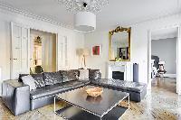 airy and sunny République - Voltaire luxury apartment
