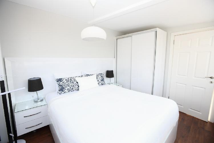 clean and fresh bedroom linens in Istanbul - Black Opal 1BR Penthouse luxury apartment and holiday h