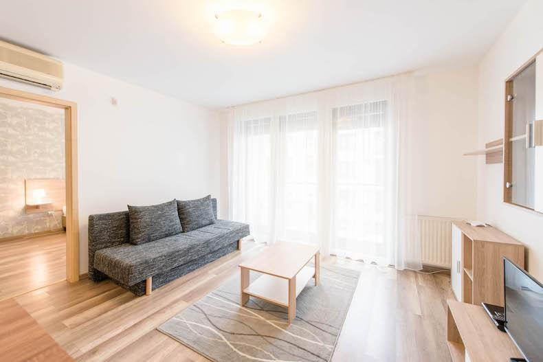 sunny and airy Budapest - 1 Bedroom Apartment Mango luxury holiday home