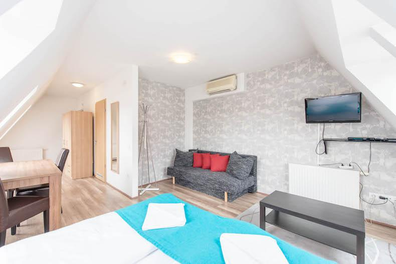 cool Budapest - 1 Bedroom Apartment Mango luxury holiday home