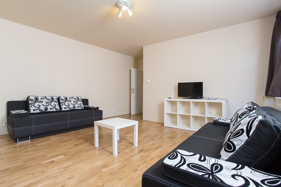 neat Prague - Picasso Luxury Apartment 2 holiday home and vacation rental